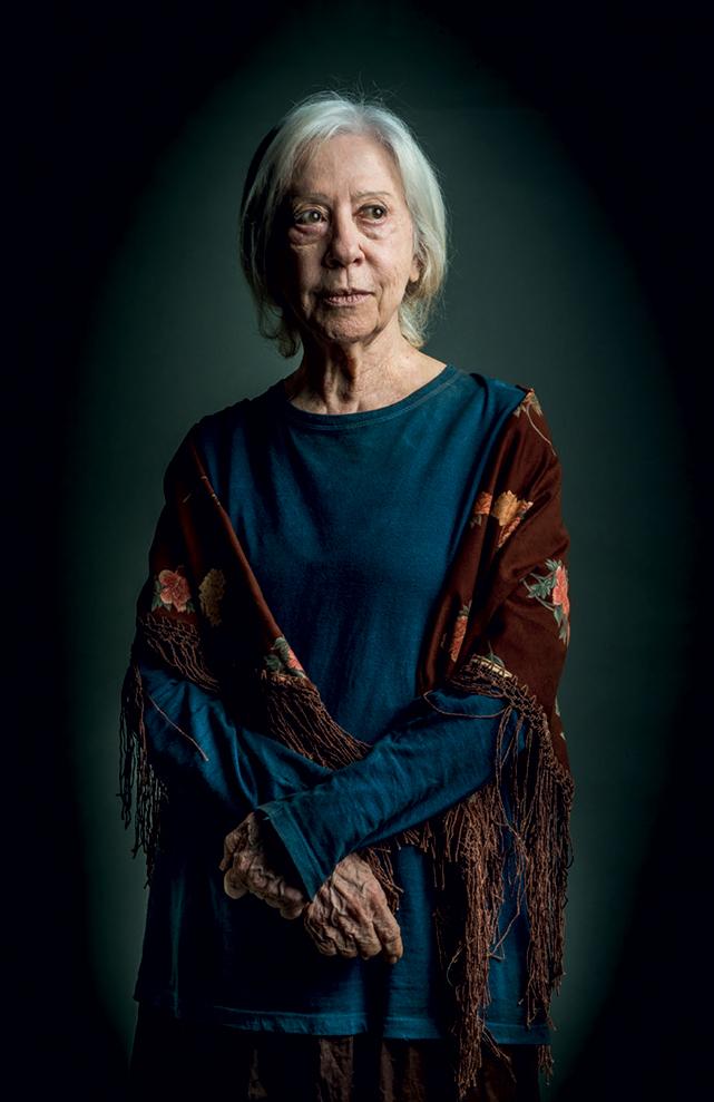 A atriz como Mercedes, sua personagem na novela O Outro Lado do Paraíso