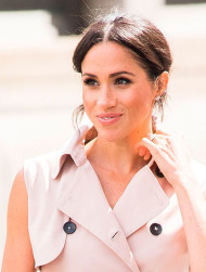 meghan-markle-trench-coat-home