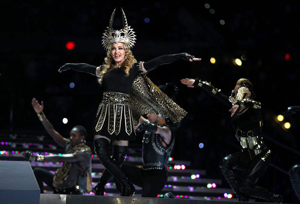 Madonna de Givenchy, no Super Bowl, 2012 - Foto: Getty Images