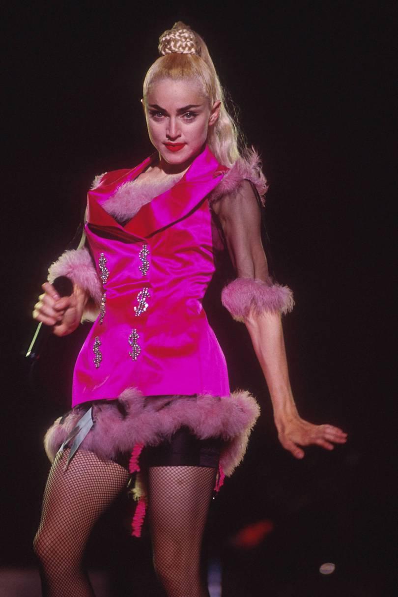 Madonna veste Jean Paul Gaultier, em Tokyo, 1990 - Foto: Divulgação