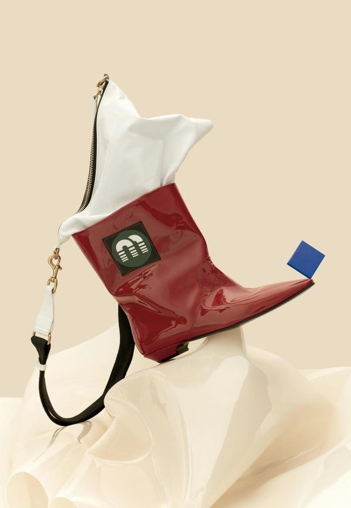Bolsa Isabel Marant e as botas Miu Miu - Foto: Frederico Reparaz, com styling Ana Tovar