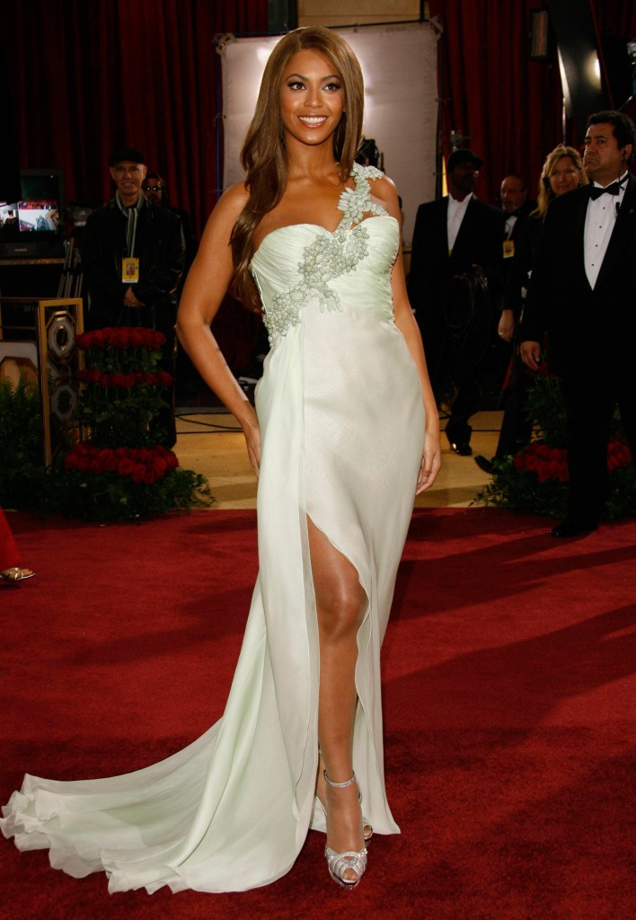 Beyoncé usa Armani no Oscar de 2007 - Foto: Getty Images