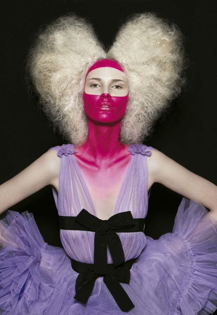 Foto: Karel Losenicky, styling de Cori Amenta e beleza de Giuseppe Giarratana