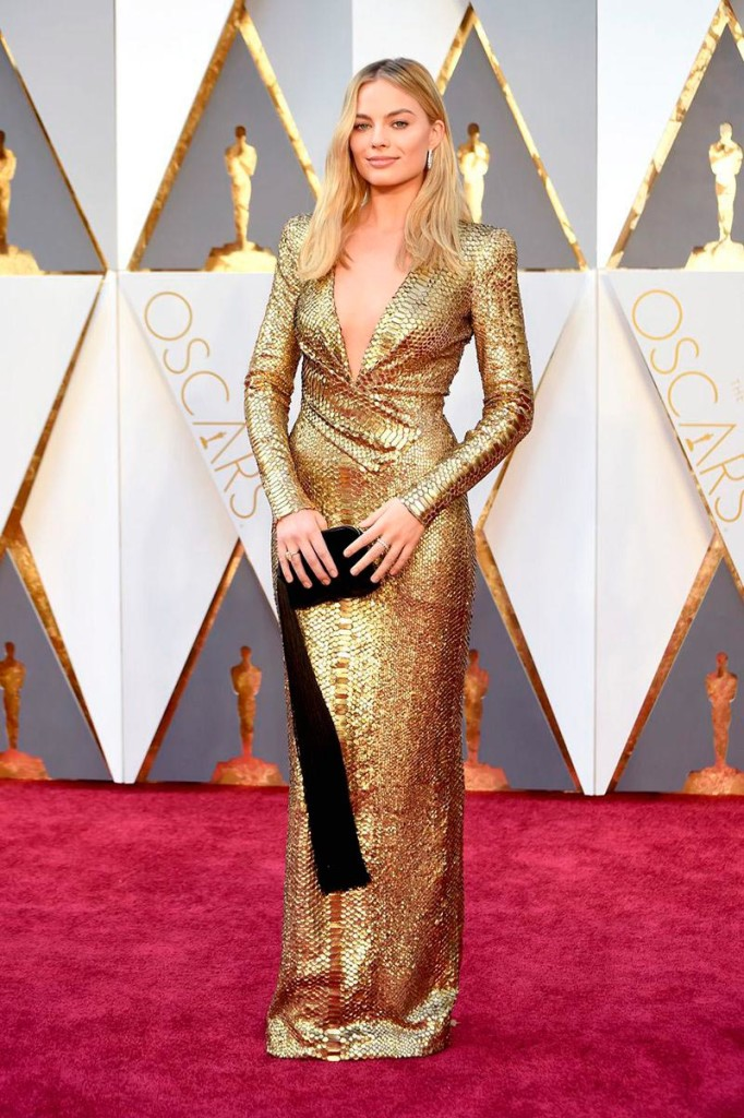 Margot Robbie veste Tom Ford no Oscar 2016 - Foto: Getty Images