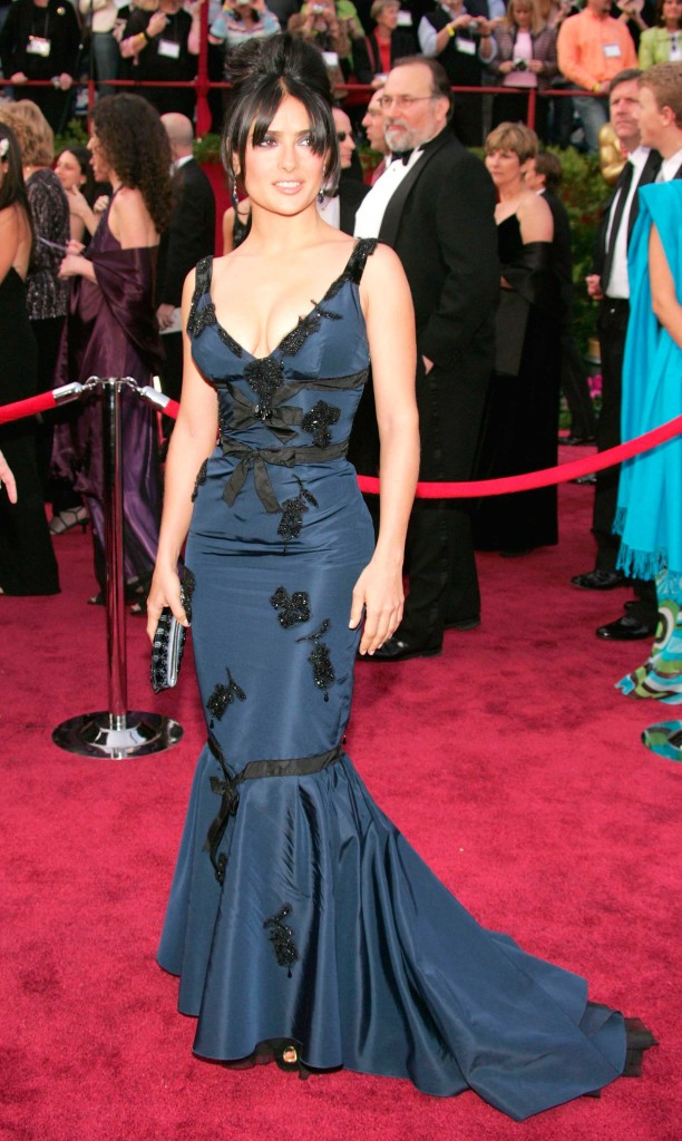 Salma Hayek veste Prada no Oscar 2005 - Foto: Getty Images