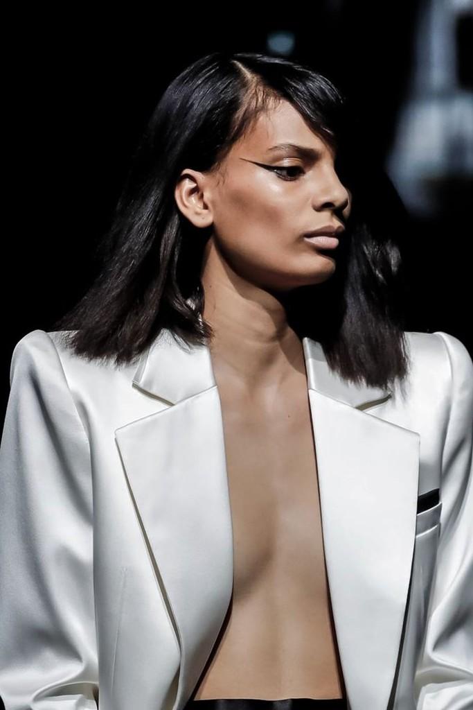 O supergatinho da Saint Laurent - Foto: Reprodução/Now Fashion