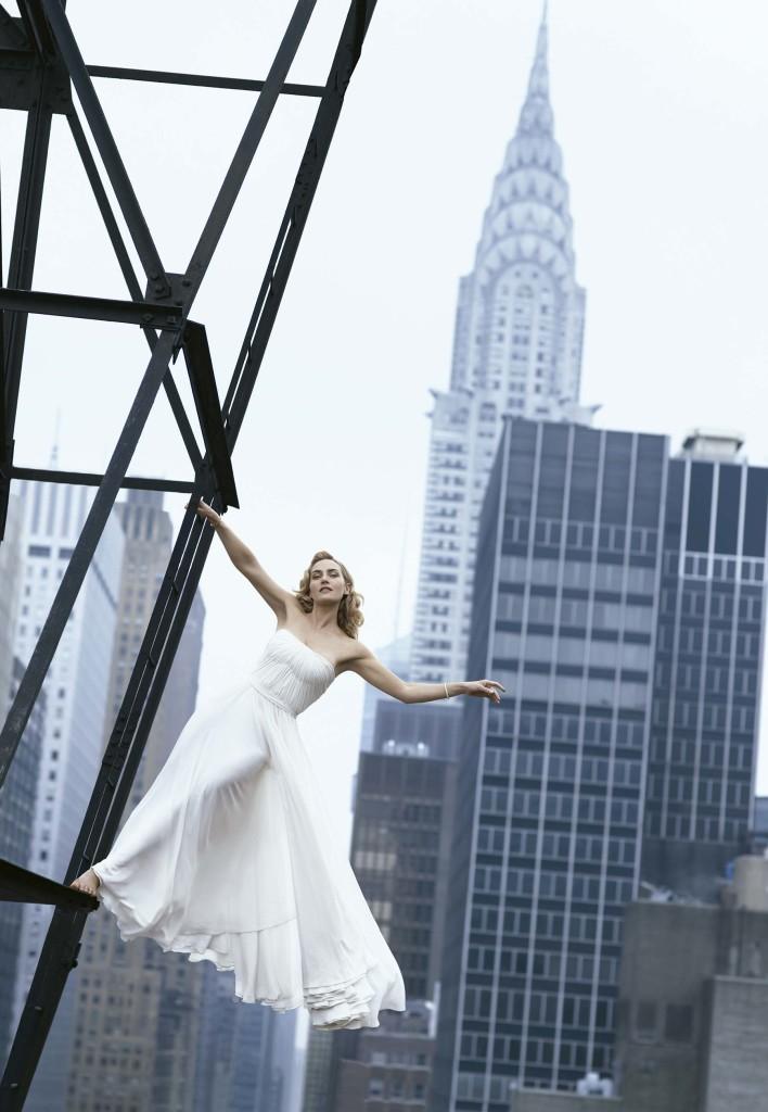 Kate Winslet pelas lentes de Peter Lindbergh na Harper's Bazaar americana, em 2009 -Foto: Arquivo Harper's Bazaar